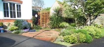 Pretty front garden